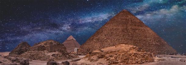 Les Pyramides de Gizeh la nuit. (Anton / Adobe stock)
