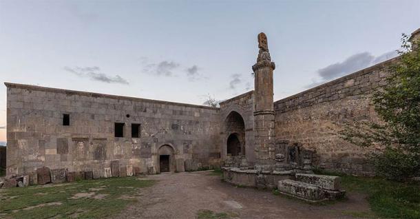 La colonne de Gavazan au monastère de Tatev (Diego Delso / CC BY-SA)