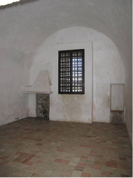 Cellule de prison occupée par l'Homme au masque de fer dans le fort-Royal de l'île Sainte-Marguerite