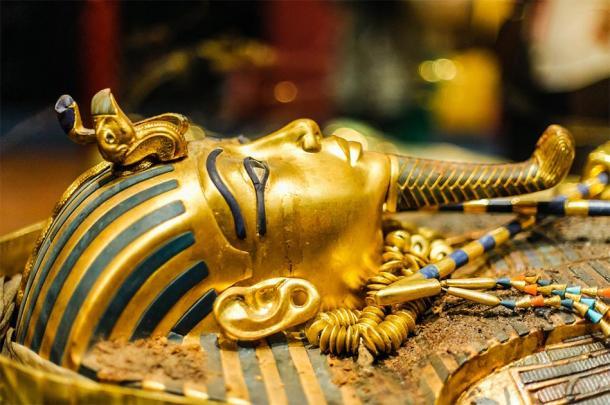 Masque du pharaon Toutankhamon. (Dieter Hawlan / Adobe stock)