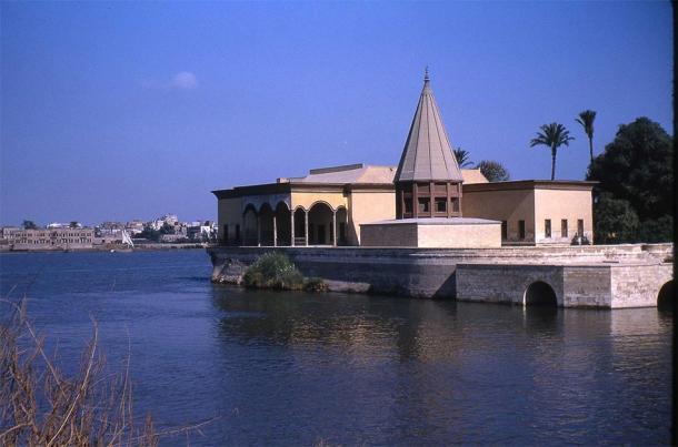 Structure conique reconstruite au nilomètre à l'extrémité sud de l'île de Roda sur le Nil au Caire. (Chasseur de dent / CC BY-SA 3.0)