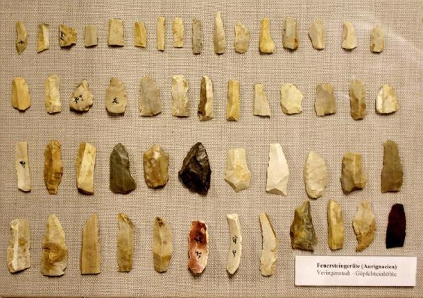 Outils en pierre aurignacienne - Microlithes. (Th. Fink Veringen / CC BY-SA 3.0)
