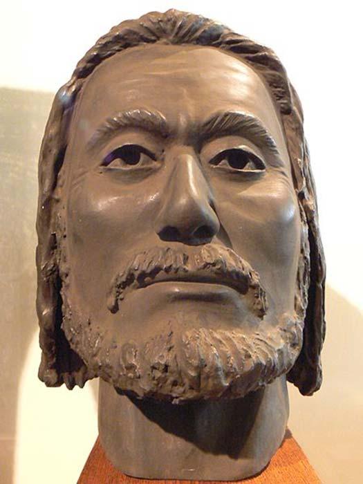 Une reconstruction anthropologique avec de l'argile du visage du tsar Kaloyan, réalisée par le professeur Yordan Yordanov sur la base du crâne. (Spiritia / CC BY-SA 3.0)