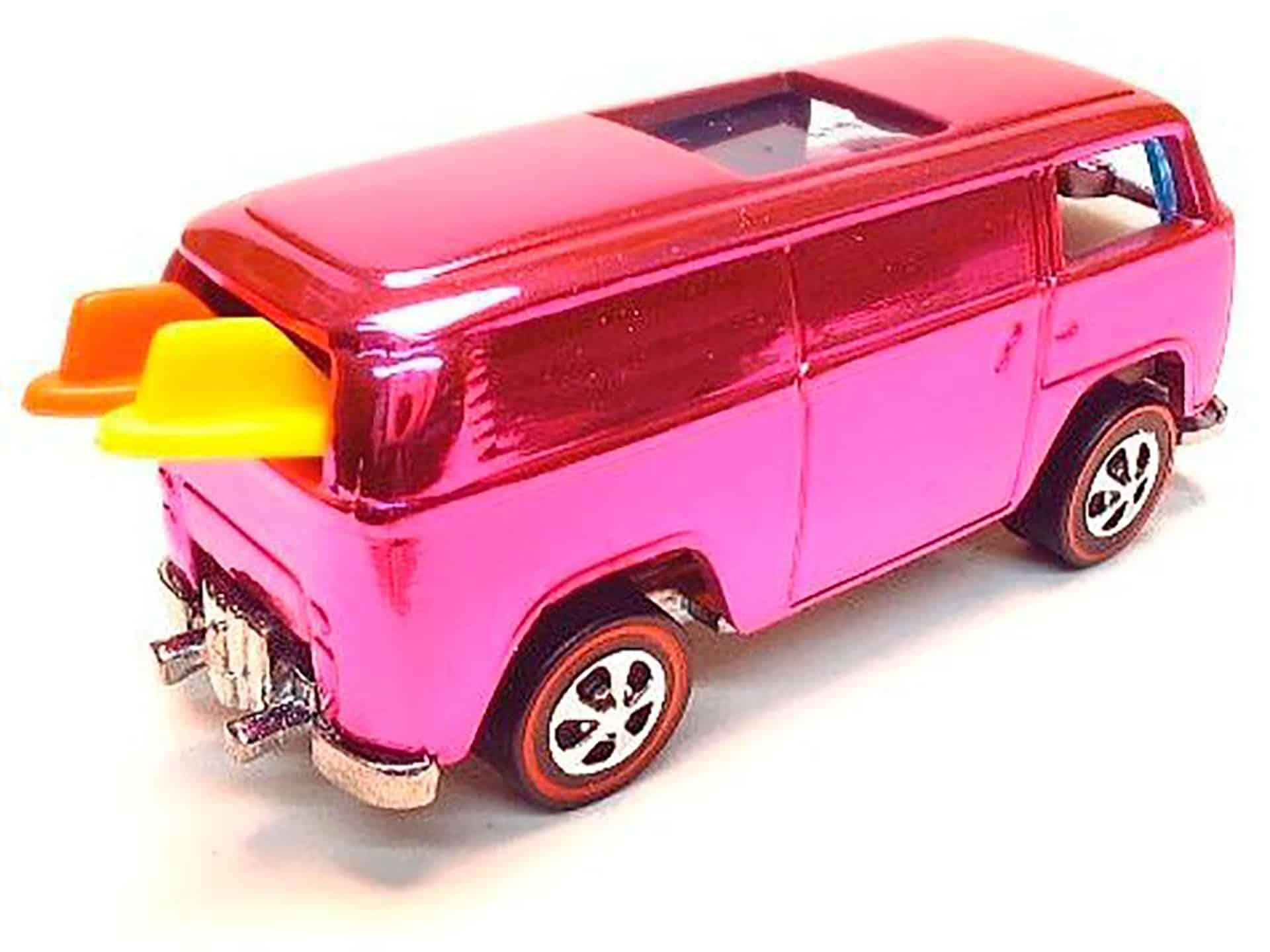 Les roues les plus chères - Bombe de plage VW rose 1969