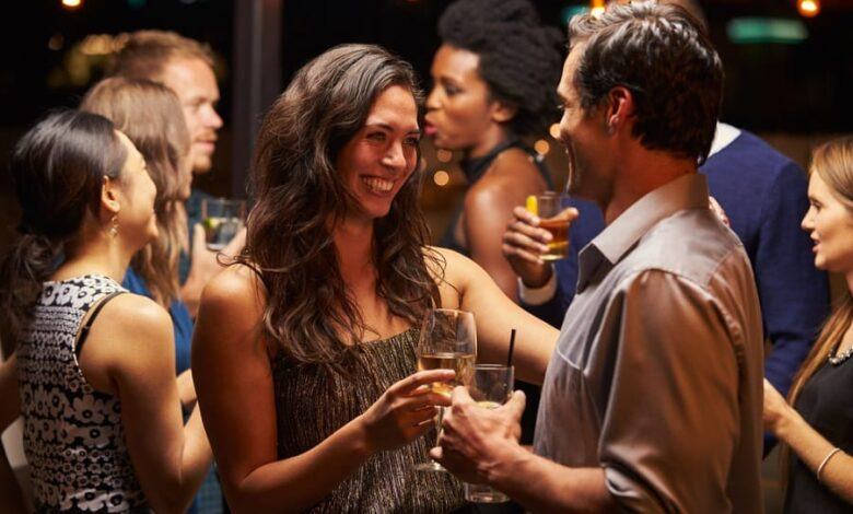 What You Should NOT Do on a First Date: 10 Things to Avoid