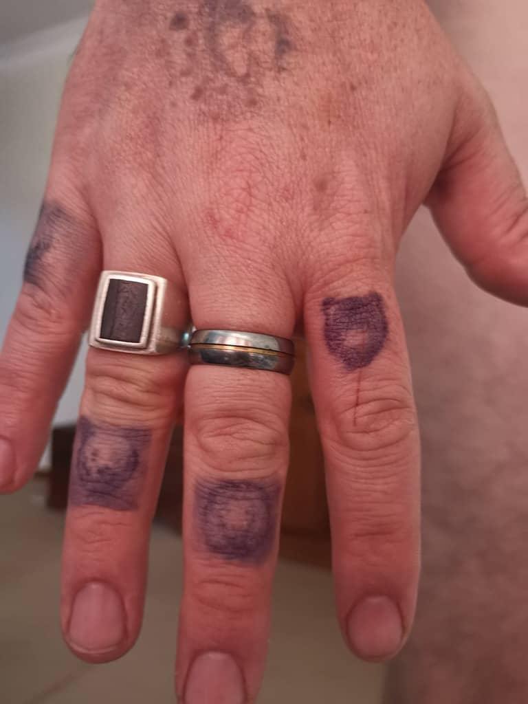 Tatouages temporaires de la main - 3ème jour