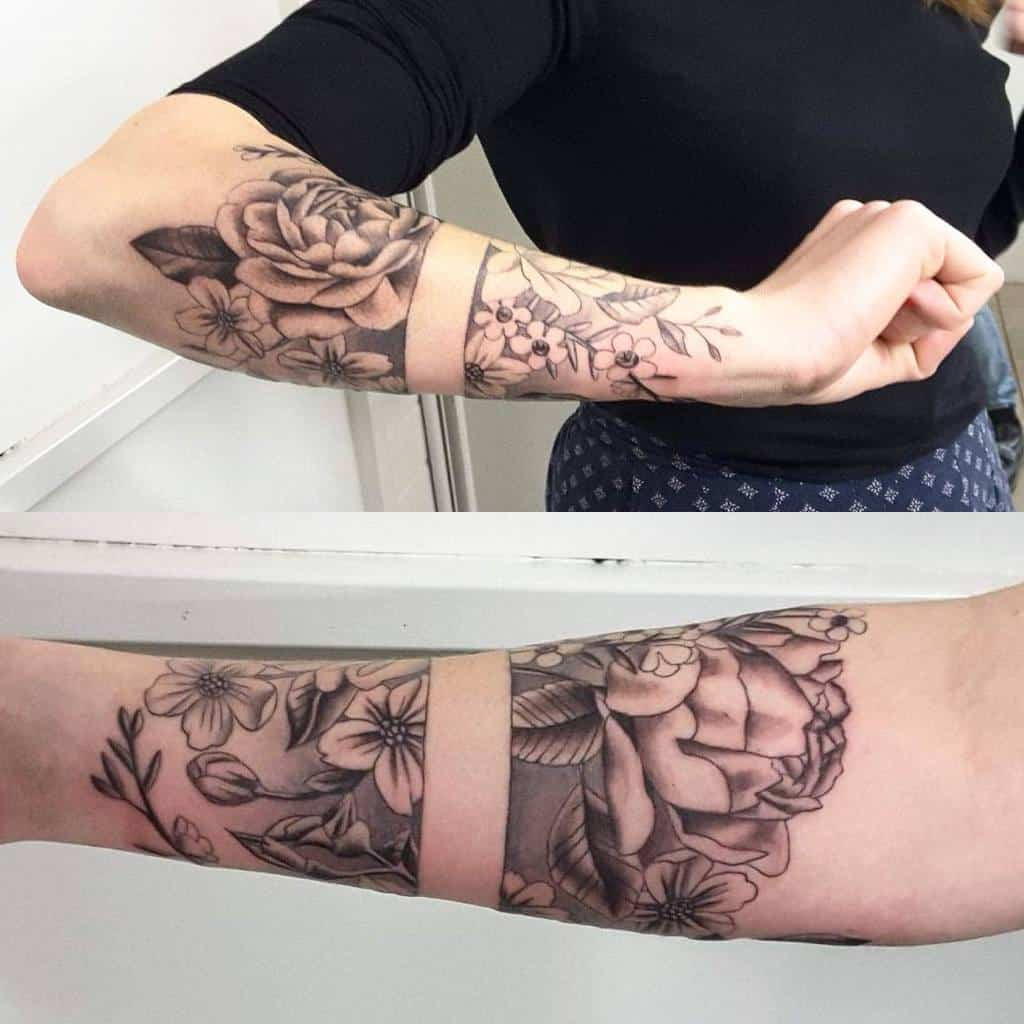Tatouage de fleurs d'avant-bras Manche katoskinner