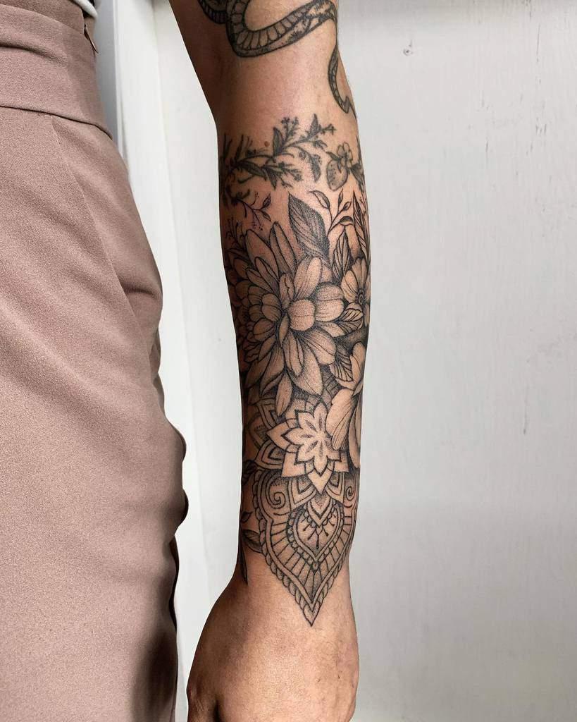 Tatouage de fleurs Mandala Slaubcreation