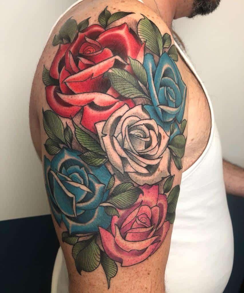 Tatouage de fleurs sur le bras marco_knoxink