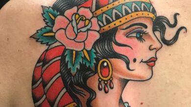 Photo de Top 69 des meilleures idées de tatouage de roses tsiganes