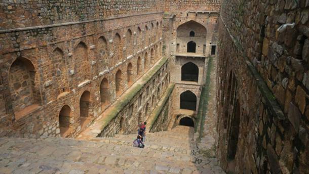 Agrasen Ki Baoli, New Delhi - Puits du 10ème siècle dont on dit qu'il est hanté. (Terrazzo / CC BY-SA 2.0)