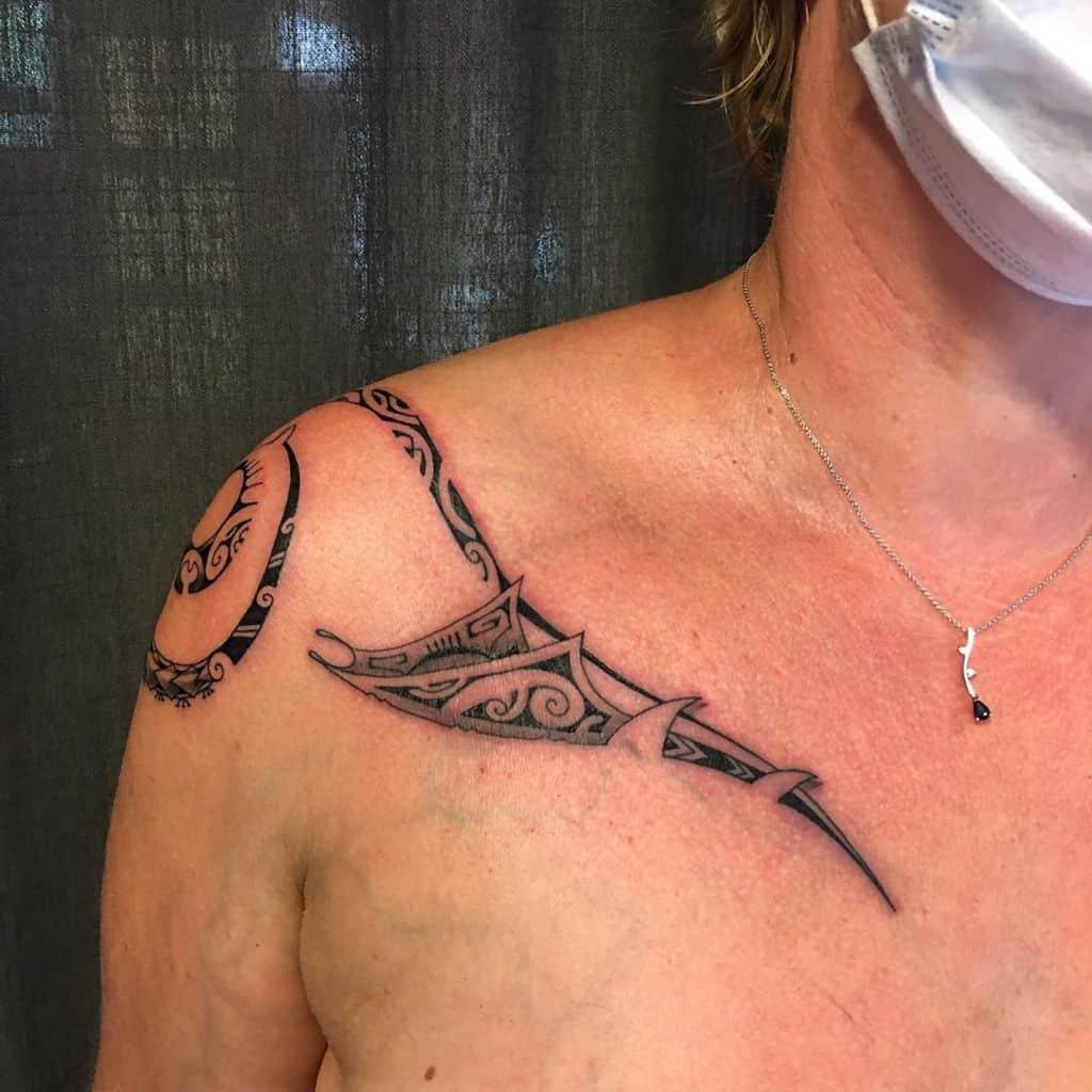 Tatouages des petites épaules tribales jerome_titeca_tattoo