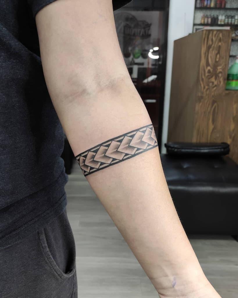 Petits tatouages tribaux polynésiens lordneytattoo