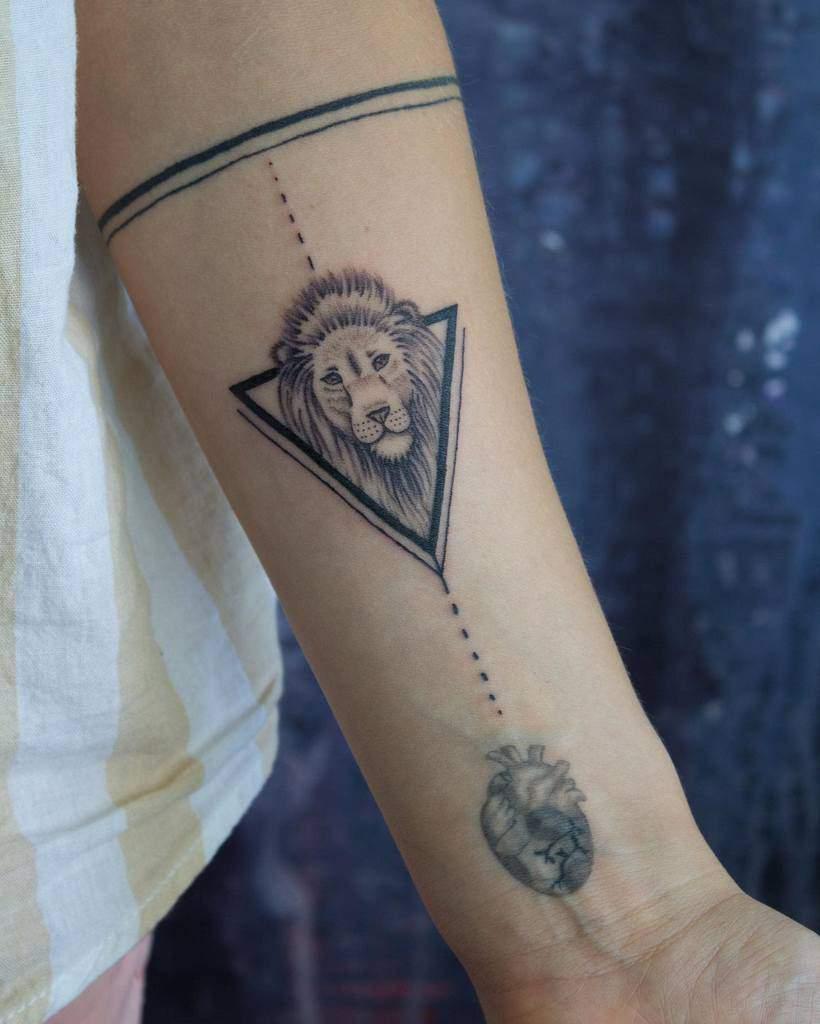 Tatouages d'avant-bras de petits lions _highink