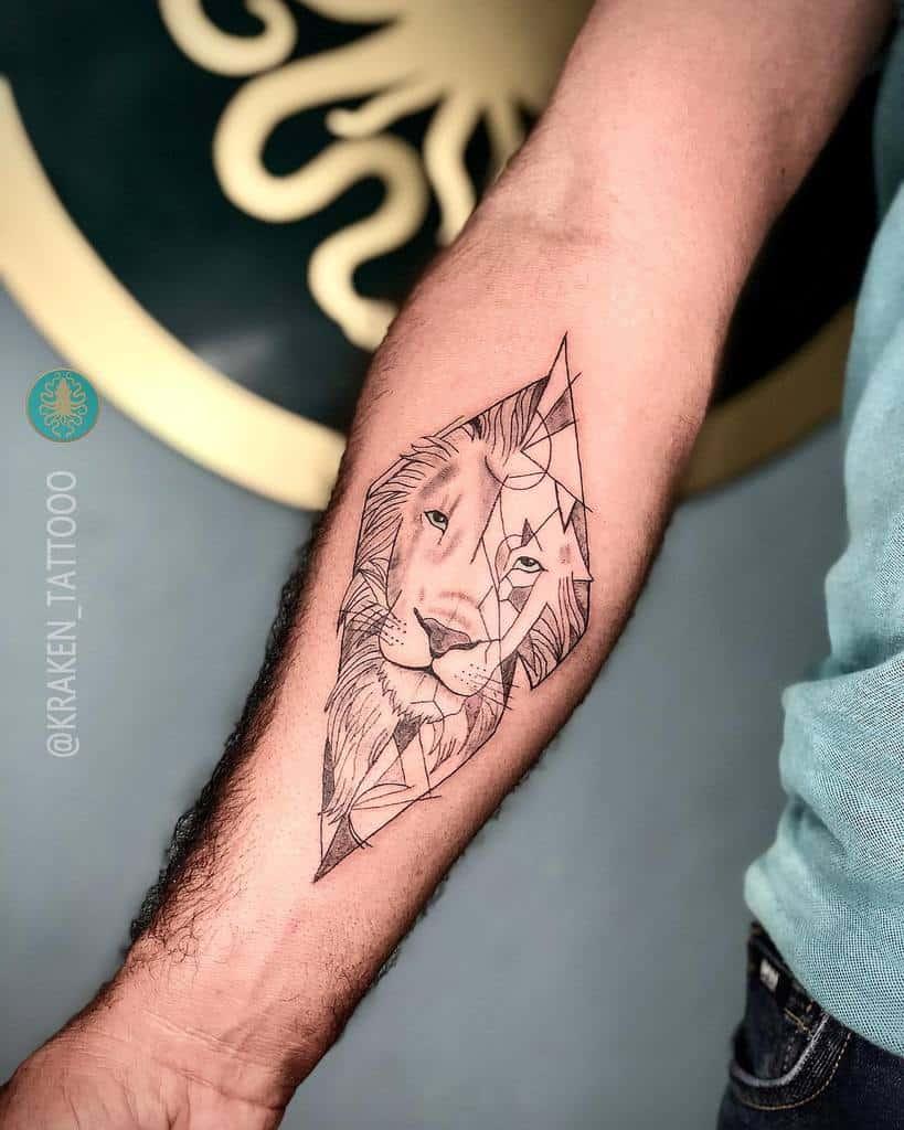 Tatouages d'avant-bras de petits lions kraken_tattooo