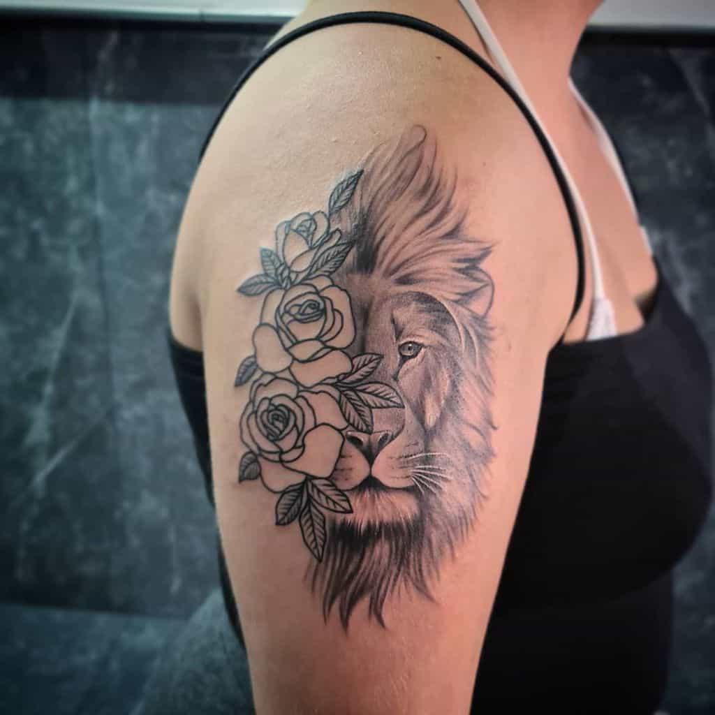 Tatouages de petites épaules de lion vikings_tattoo_rhodes