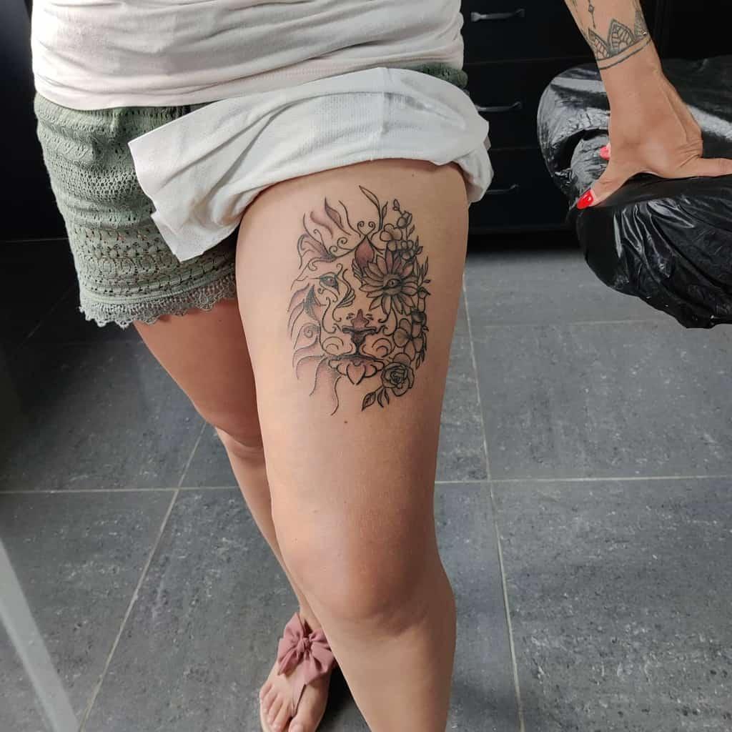 Tatouages de la hanche et de la cuisse du petit lion tatouageartlex