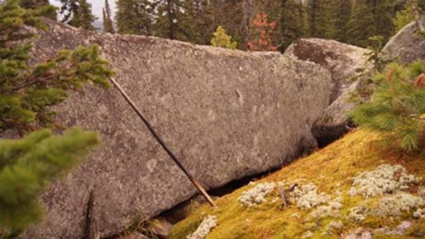Un super mégalithe sibérien. (Georgy Sidorov)