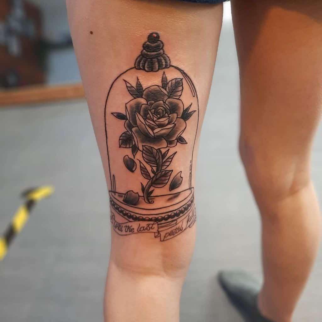 la beauté des cuisses et la rose des bêtes tatouées tattooliam_.