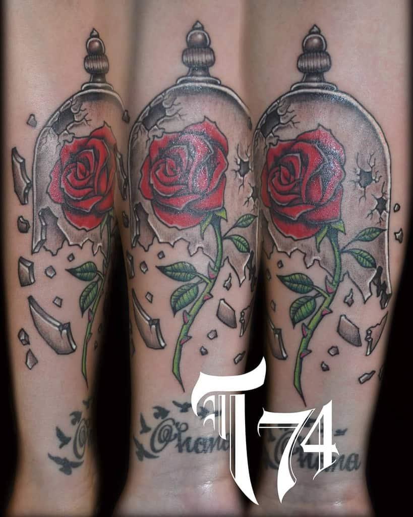 vitrail beauté et la bête rose tatouages tojoh74