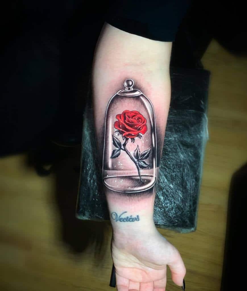 beauté réaliste et la rose des bêtes tatouages skinshokz_paul_tattoo