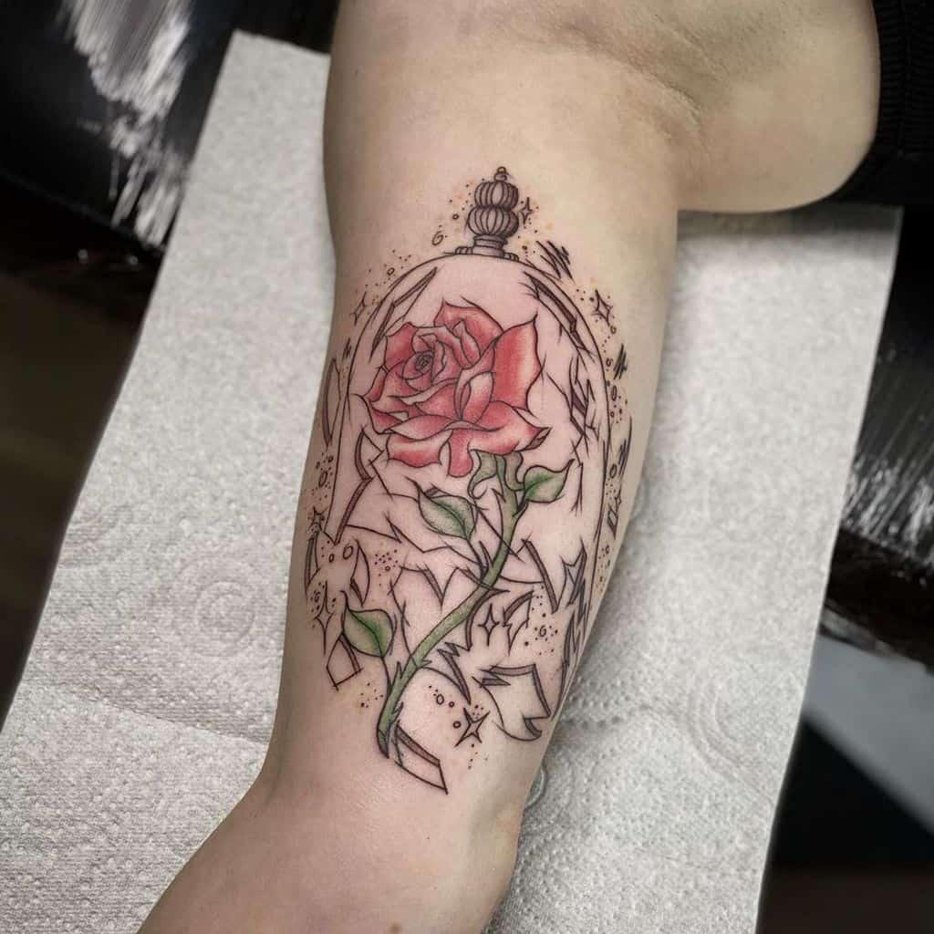 la beauté des vitraux et la rose des bêtes tatoue leblackdahliastudio