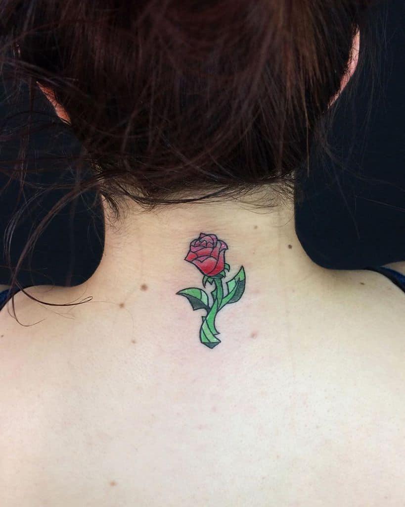 petite beauté minimaliste et la bête rose tatouages lamaratattoo