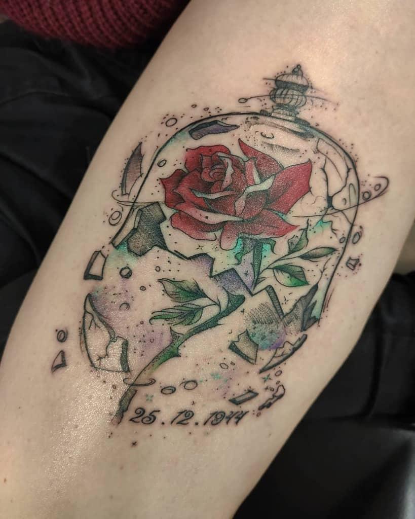 vitrail beauté et la bête rose tatouages gwendolinetattooer