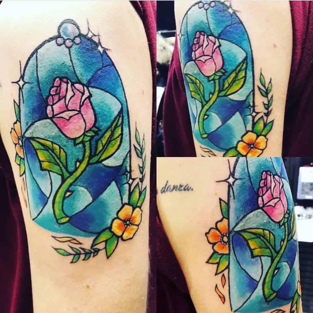 vitrail beauté et la bête rose tatouages momargot_ink