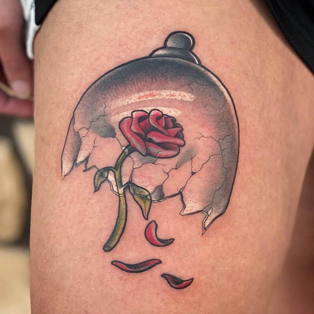 la beauté des cuisses et les tatouages de la rose des bêtes 909tattooco
