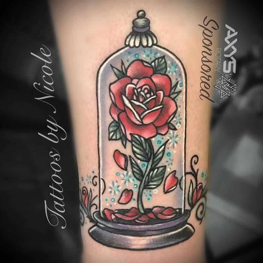 vitrail beauté et la bête rose tatouages nicoleatvoodouxtattoux
