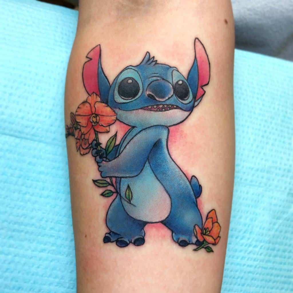 Petits tatouages Disney sur les avant-bras Tatouages de tortues peintes