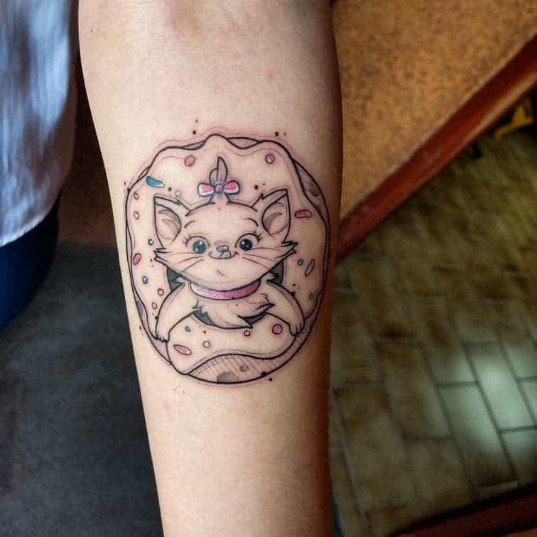 Petits tatouages Disney sur l'avant-bras thisismetz