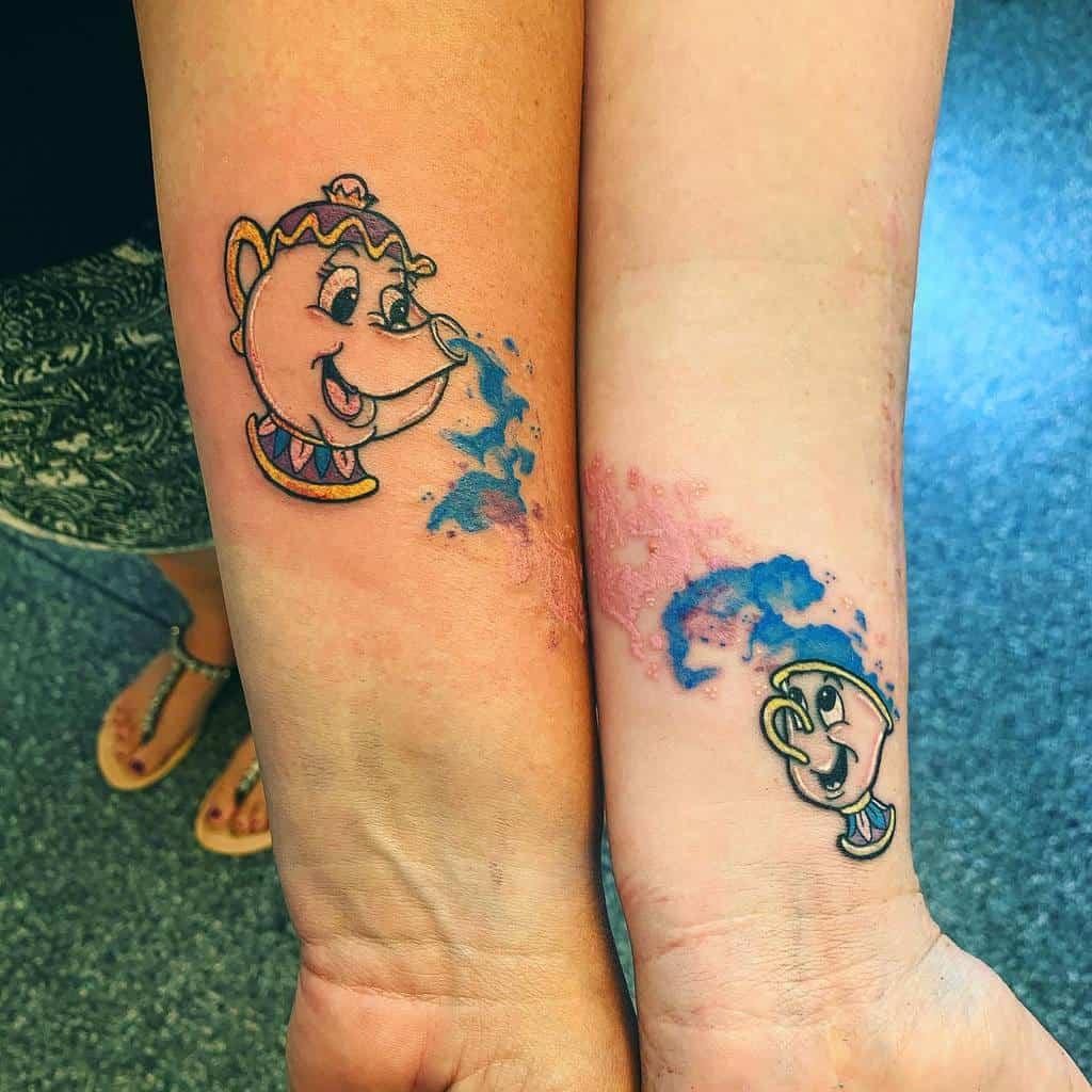Petits tatouages de poignet Disney dannietattoos