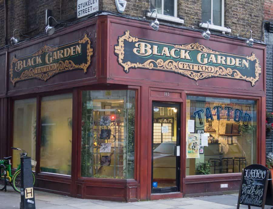 Tatouage de Black Garden Londres, Angleterre
