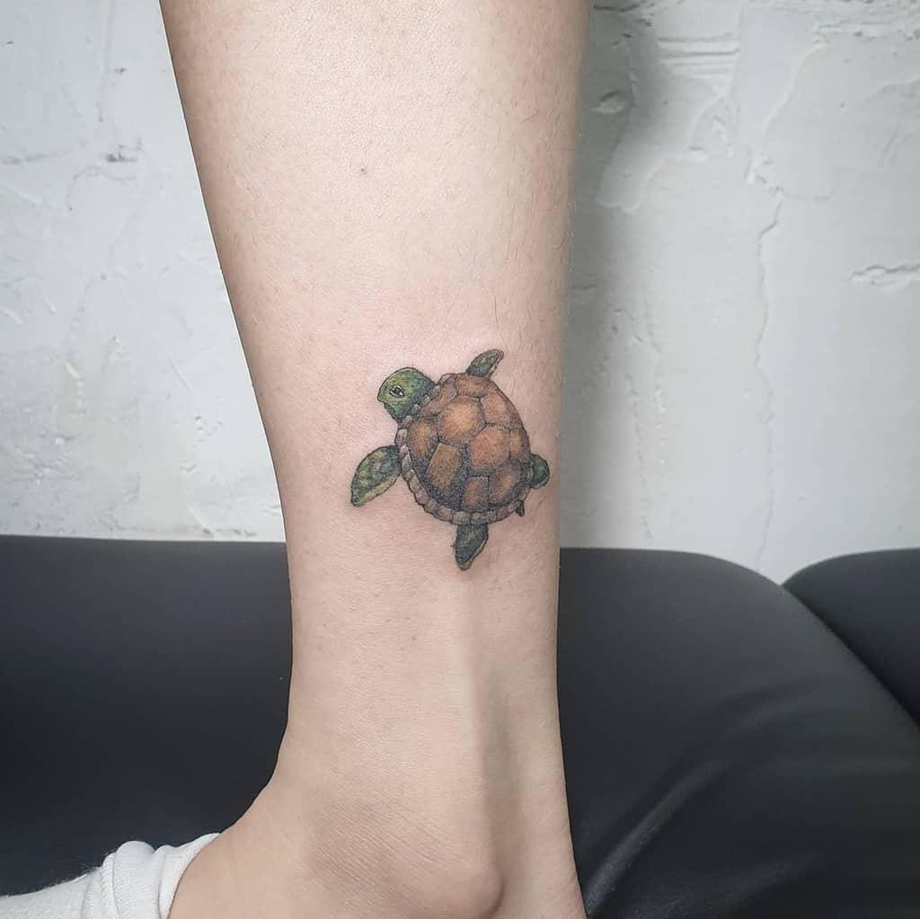 Petits tatouages de cheville de tortue ringerink_omeae