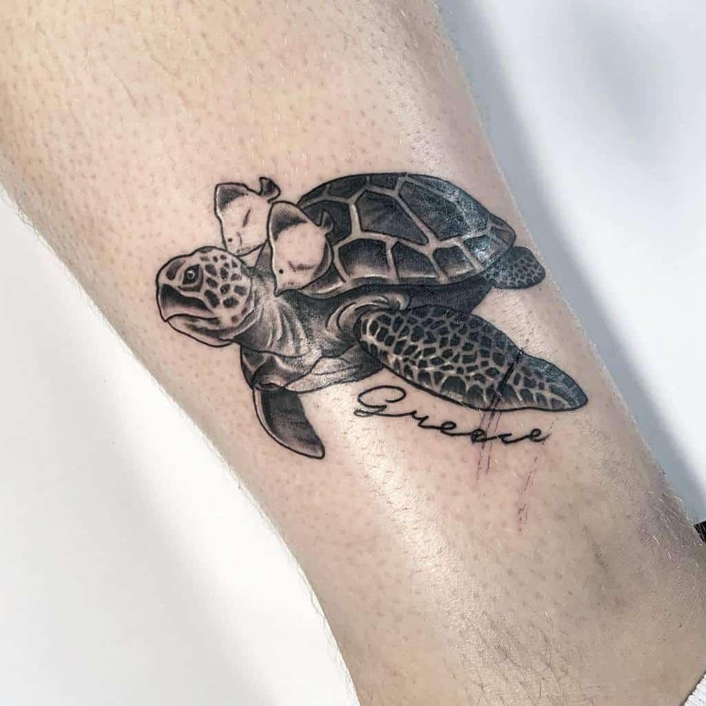 Petits tatouages de cheville de tortue raventattoozante