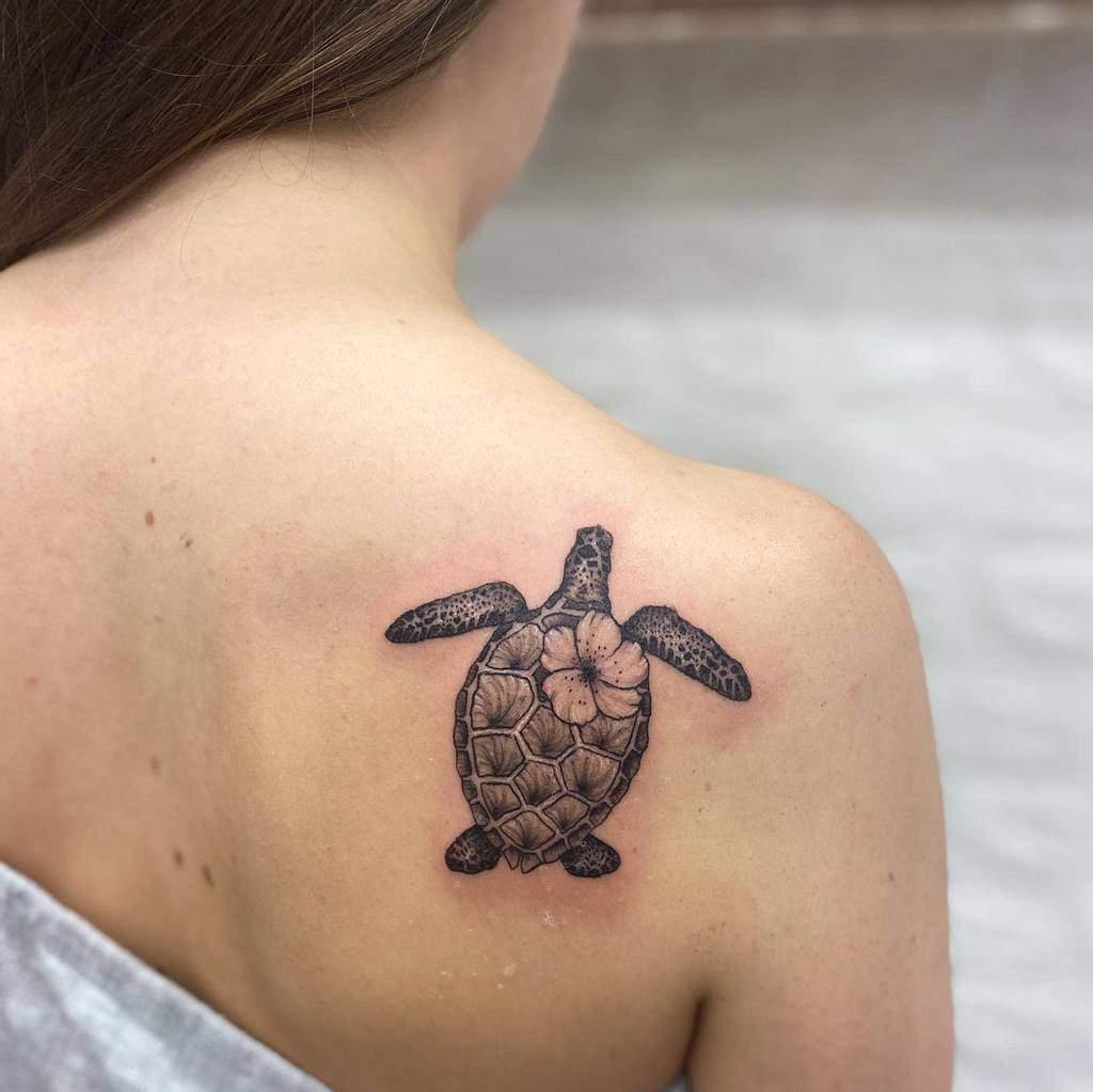 Tatouages de petites tortues noires harriemeryink