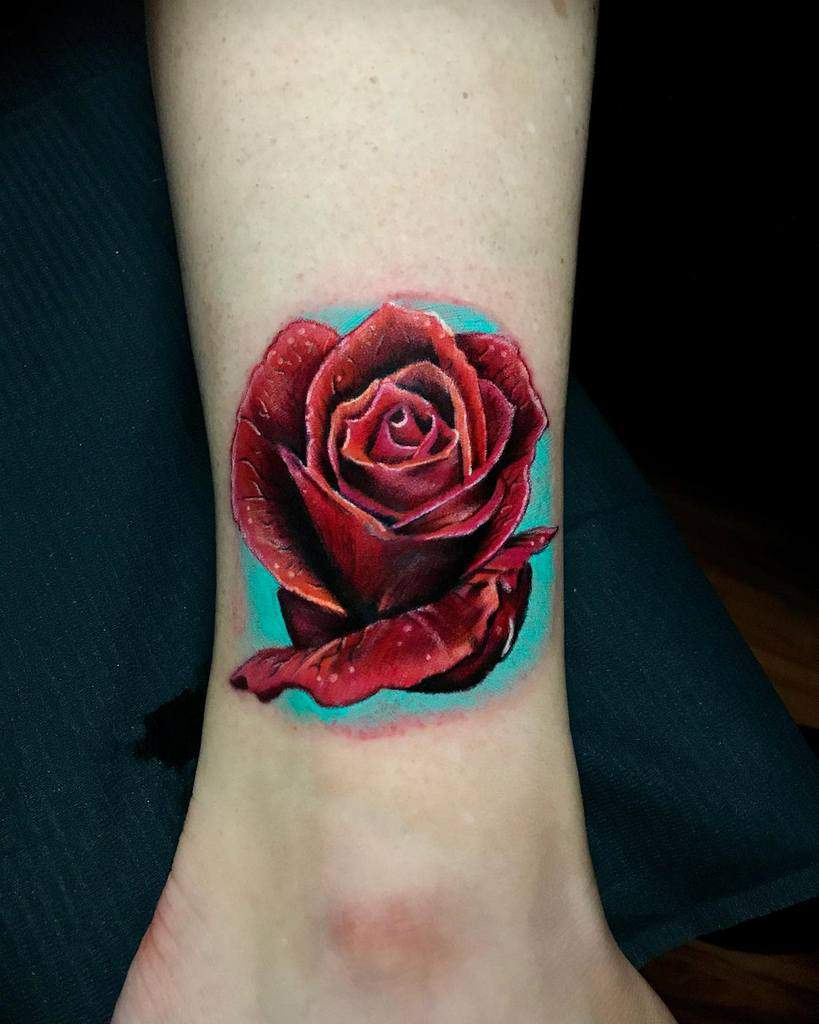 Tatouages réalistes de roses simples effinjosh