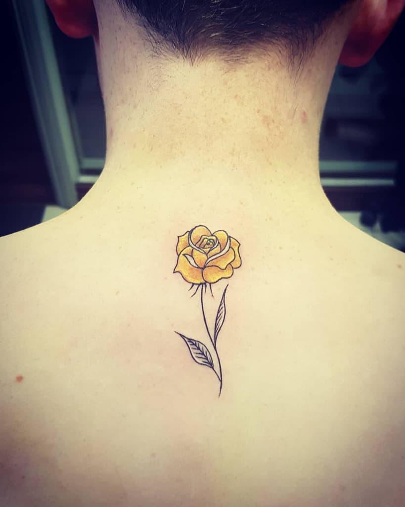 aquarelle simple rose tatouages blondiekeogh