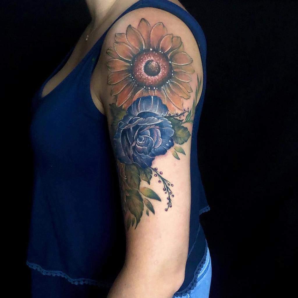 bras bleu rose tatouages malibutattoostudio