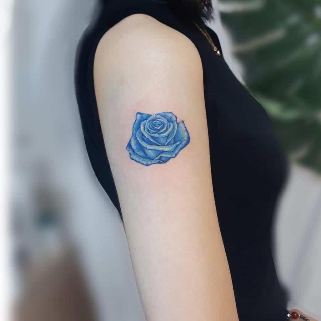 bras bleu rose tatouages tatooist_ongi