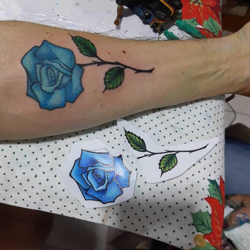 avant-bras bleu rose tatouages flaviocdemello