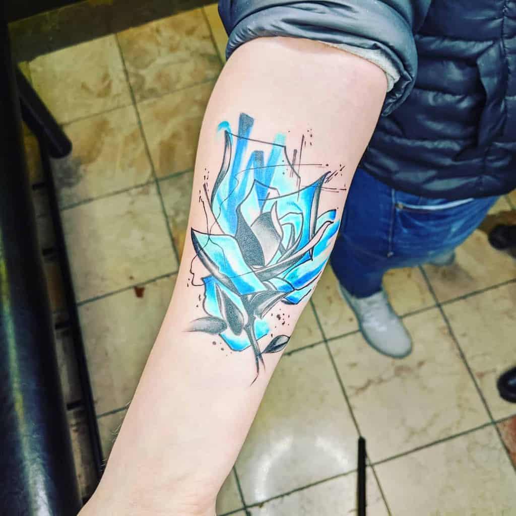 avant-bras bleu rose tatouages theartofsharpe