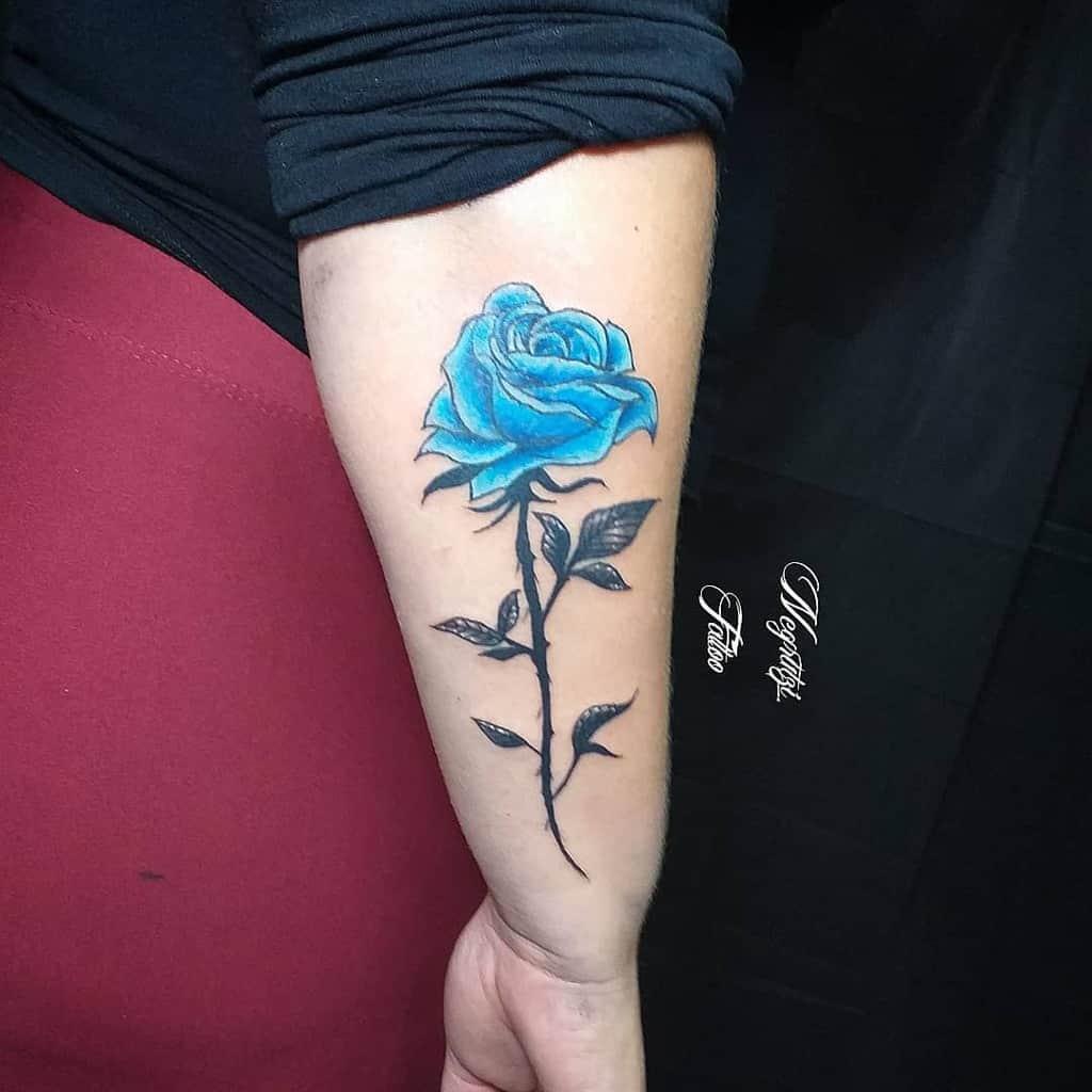 avant-bras rose bleue tatouages negrutzi_tattoo