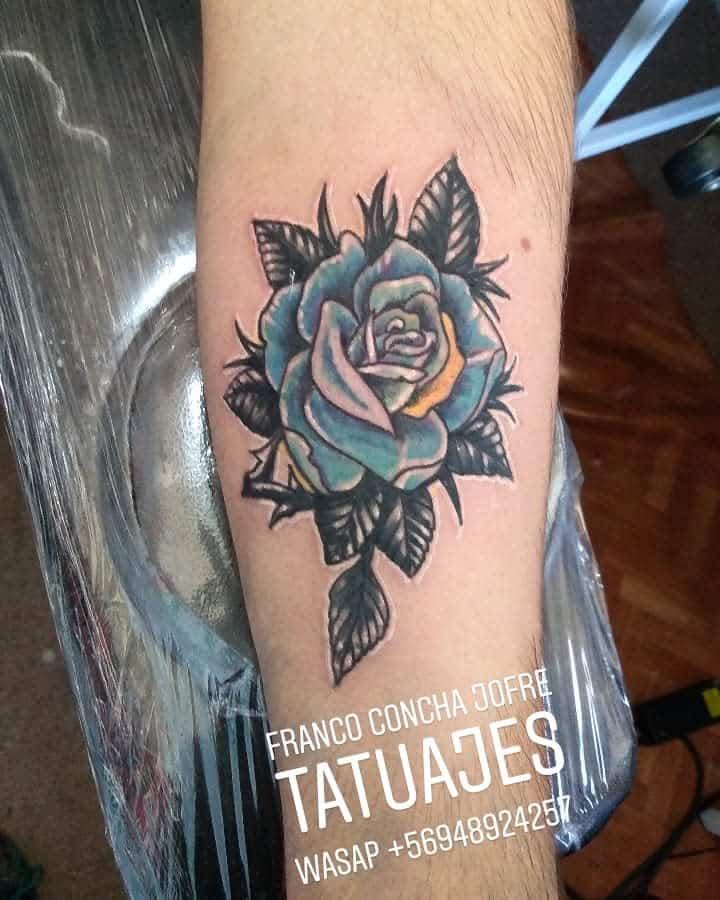 tatouages avant-bras rose bleue francoconcha_tatuajes
