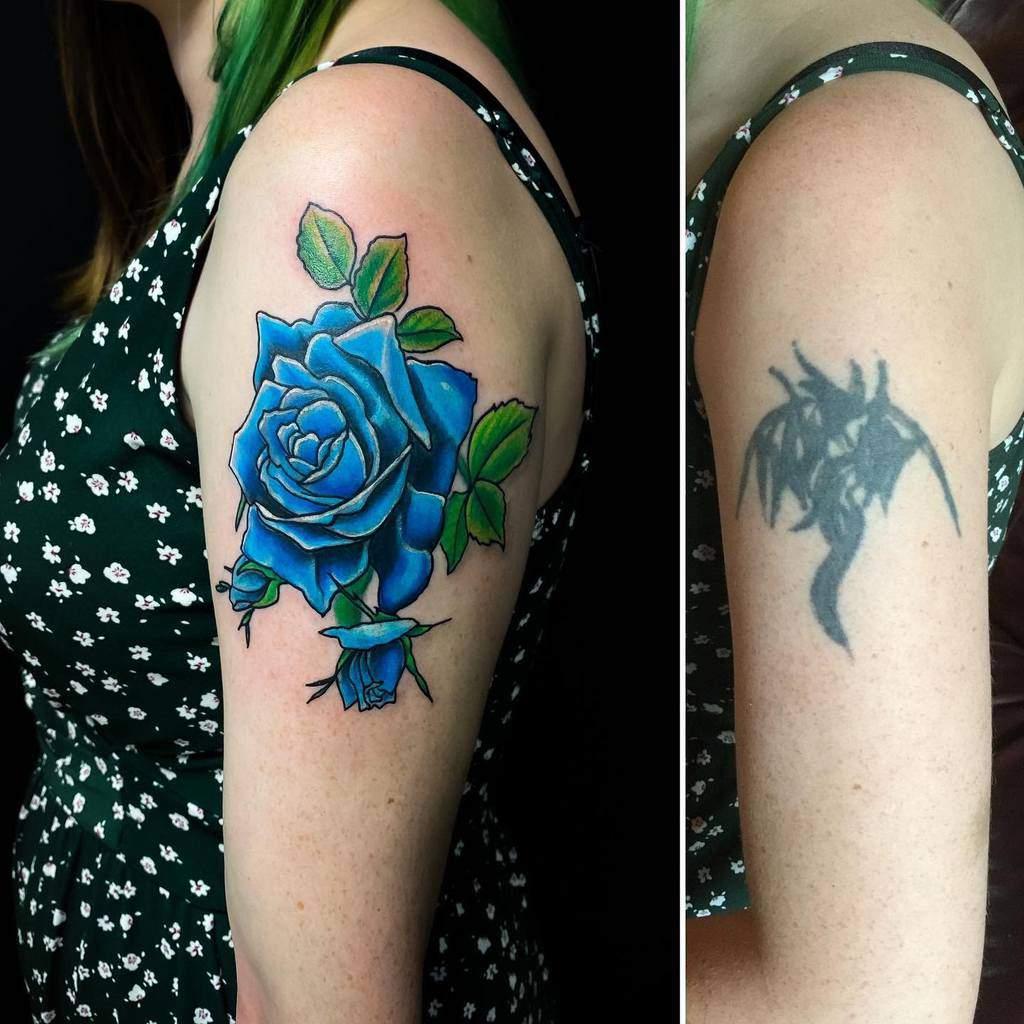 bras bleu rose tatouages rose