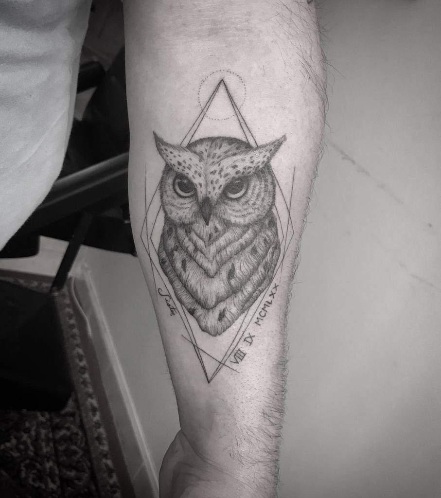 Tatouages d'avant-bras de petits hiboux taratattoo09