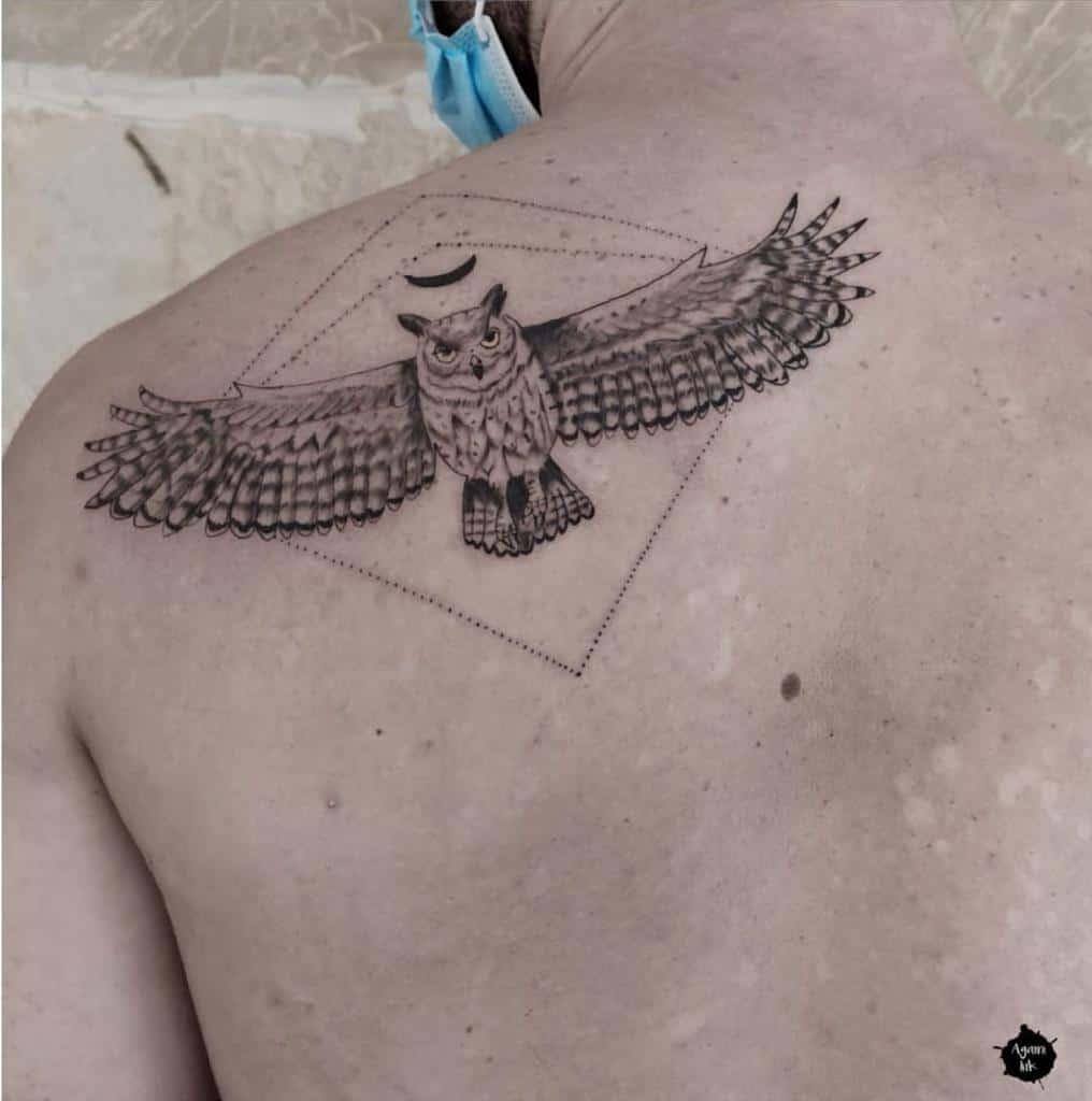 Tatouages d'épaules de petits hiboux agami_ink