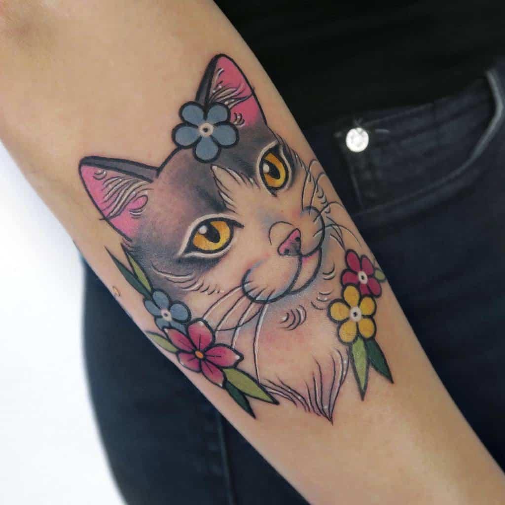 Tatouages de petits chats colorés lamagattooer